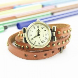 Lyserbrun ur med læderrem