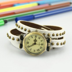 Hvid ur med læderrem