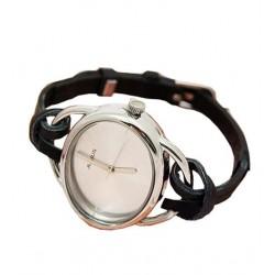 Elegant sort ur med læderrem