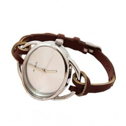 Elegant brun ur med læderrem