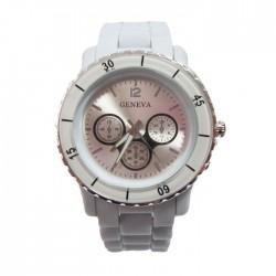 Hvid plastik ur med mange detaljer