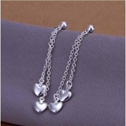 Sølv øreringe med små hængende hjerter