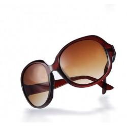Brune solbriller med stort look