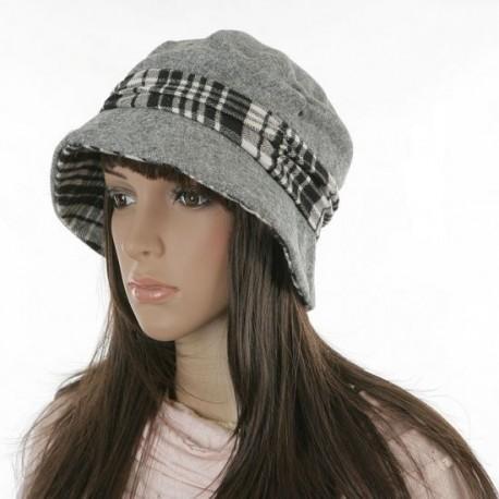 Hat med fede detaljer- grå