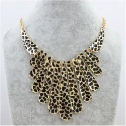 Statement halskæde med leopard vedhæng